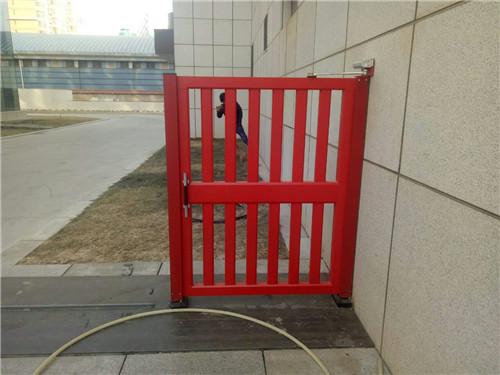 宝丰集团铝制小门