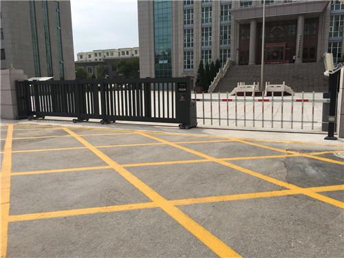 银川市金凤区法院(智能平移门、车牌识别设备)